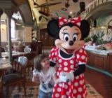 Pauline chez Mickey